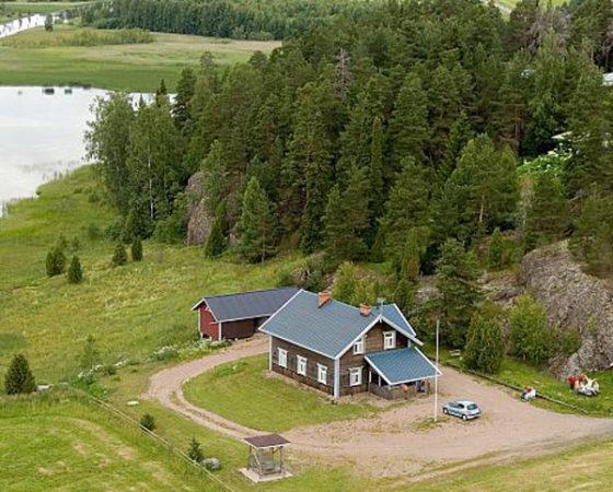 Kukkulinna Guest House
